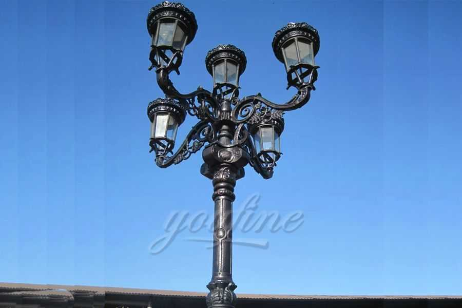 Garden cast iron street lamp post for sale