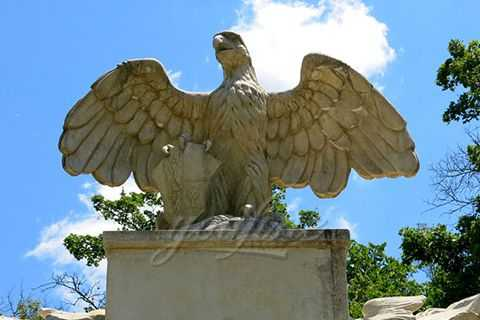 Outdoor natural carved marble eagle statue