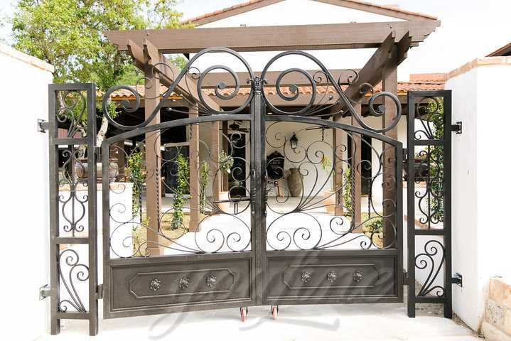 Beautiful Outdoor Decorative Wrought Iron Gates
