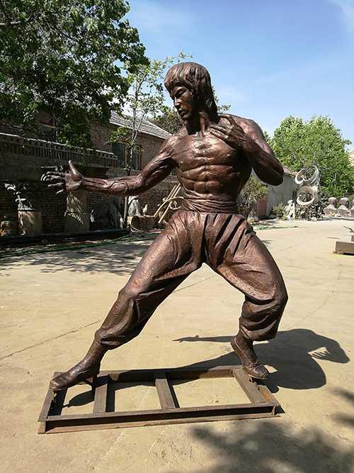 Outdoor Bruce Lee Bronze Sculpture For Sale