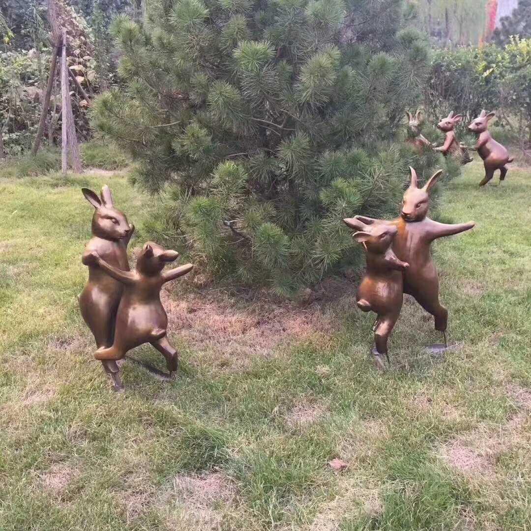 Bronze Life Size two Rabbit dancing Sculpture Garden decor for Sale