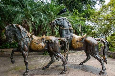Merveilleux Garden Life Size Ornamental Bronze Horse Statue