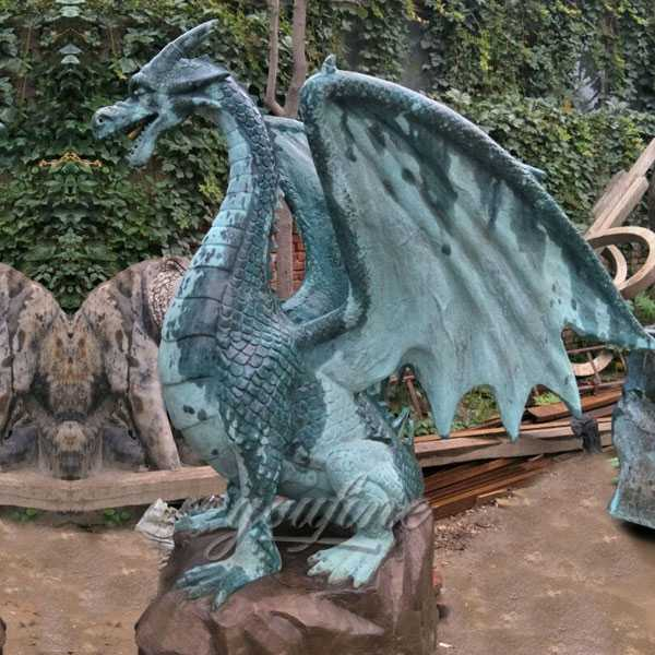 Outdoor metal bronze gargoyles statues for backyard