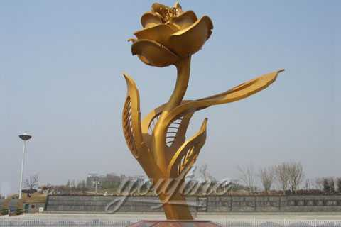 Metal flower sculpture for garden decor