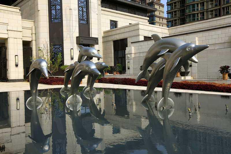 contemporary outdoor sculptures