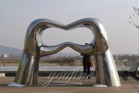 metal sculpture for outdoor