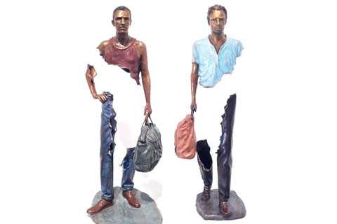 Bronze casting Traveler Sculpture for outdoor