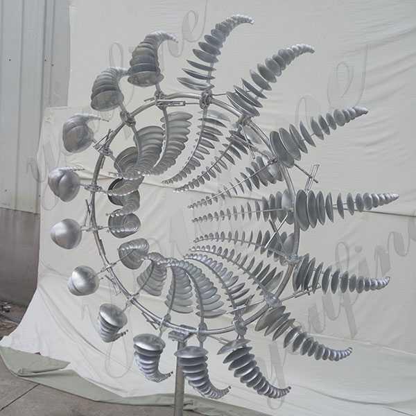 Outdoor stainless steel kinetic art sculpture for garden
