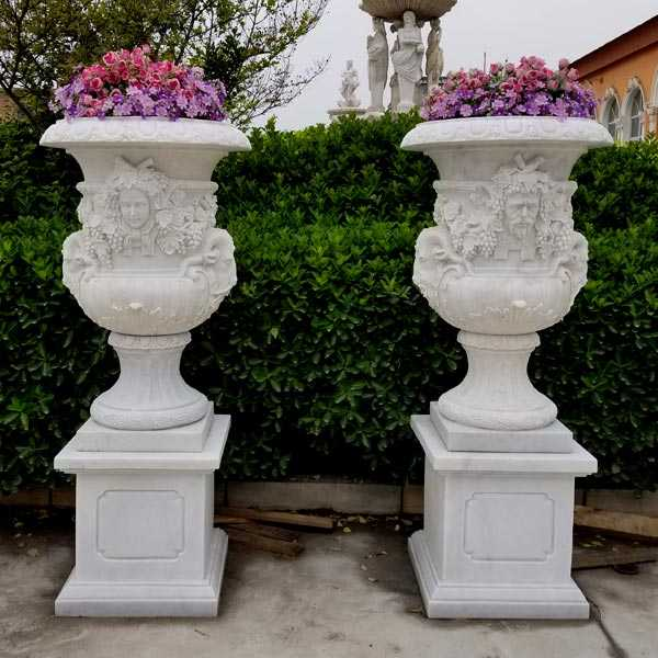 2018 High Quality Pair of White Marble Planter with Figure for Garden Decor on Sale
