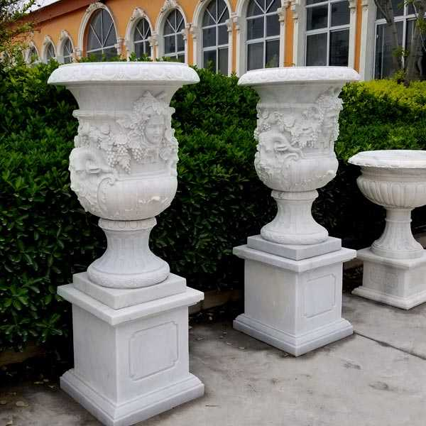 2018 High Quality White Marble Planter with Figure for Garden Decor on Sales