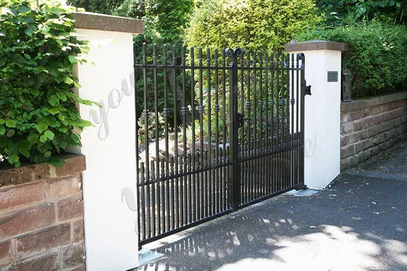 IOK-185 wrought-iron-garden-gates-and-fencing-designs