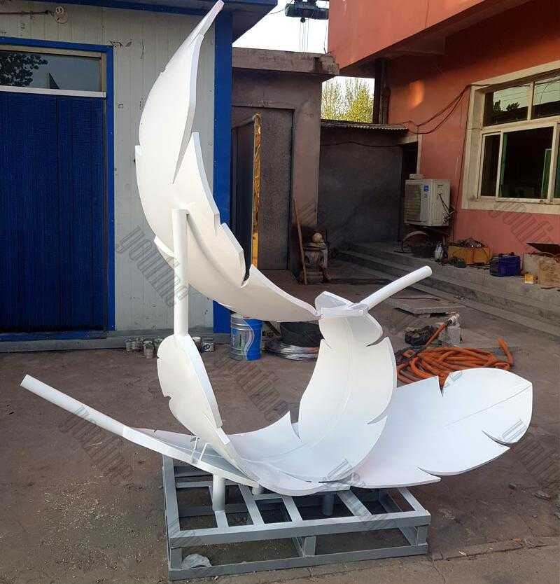 Modern feather art stainless steel three white feathers sculpture designs for sale