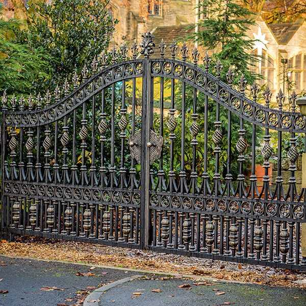 Modern Metal Art Double Driveway Front Entry Wrought Iron Gate Designs for House Decor IOK-194