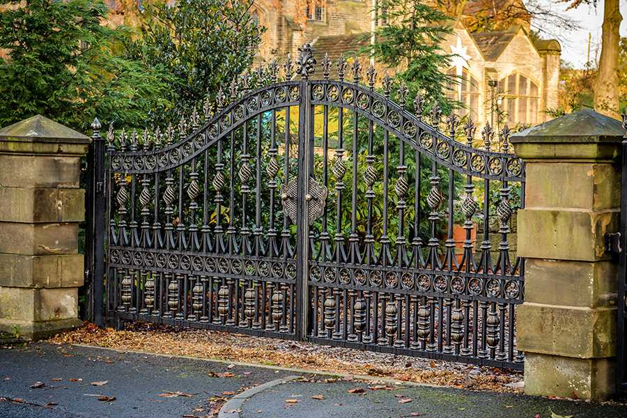 Modern metal art double driveway front entry wrought iron gate designs for house decor–IOK-194