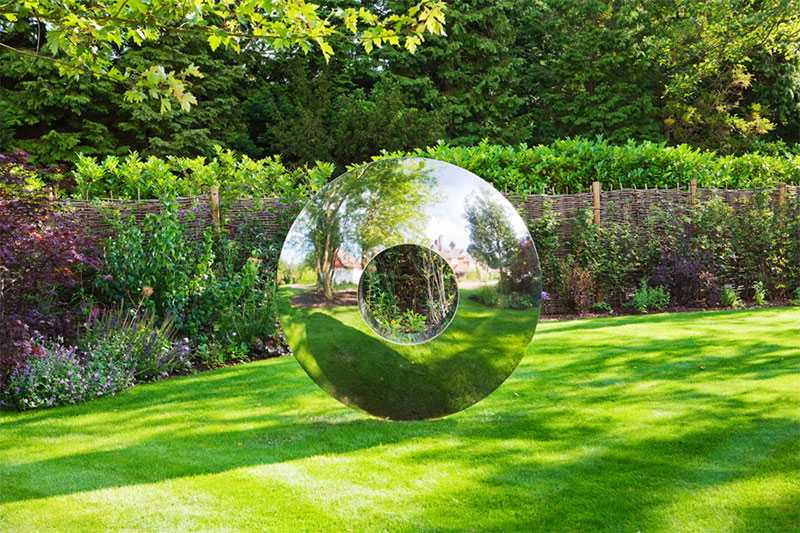 outdoor-modern-metal-sculpture-for-garden