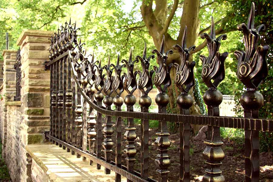 Antique bespoke garden cast iron fence front railing design of garden for sale–IOK-222