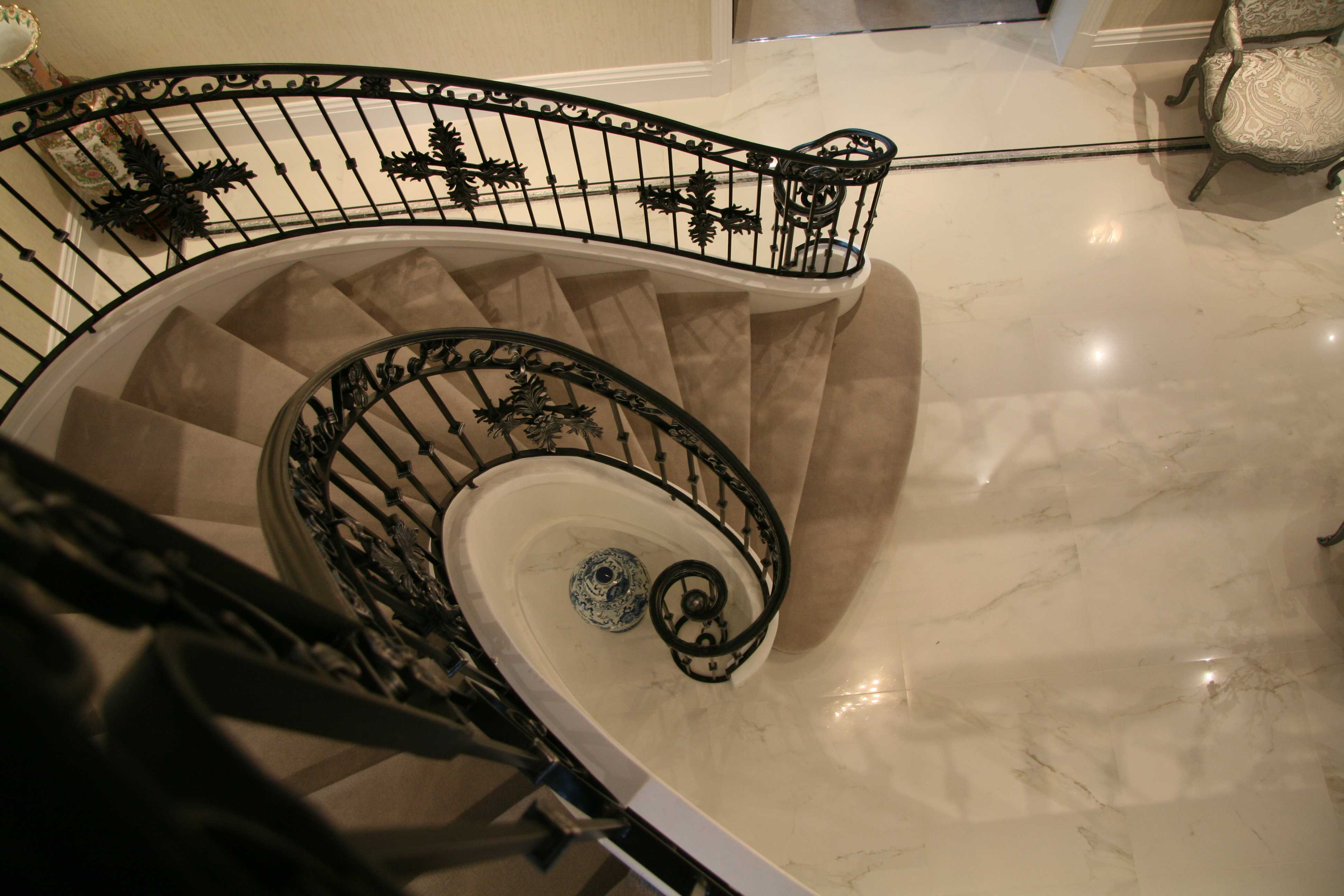 Helical Iron Staircases–the most elegant style iron staircase!