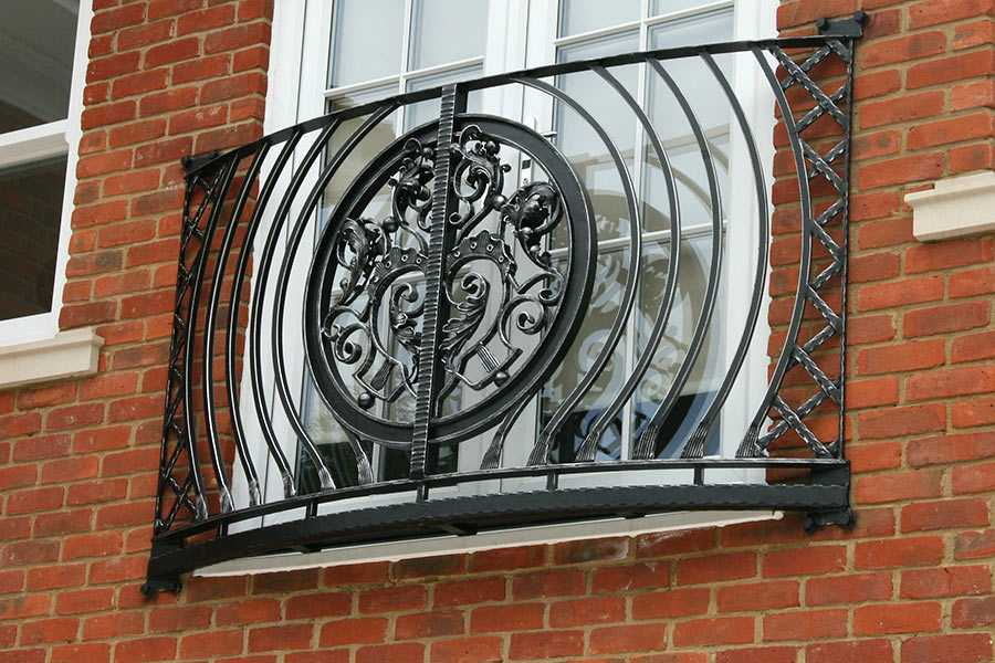 China factory custom supply wrought iron balcony railing aphrodite juliet design for sale–IOK-252