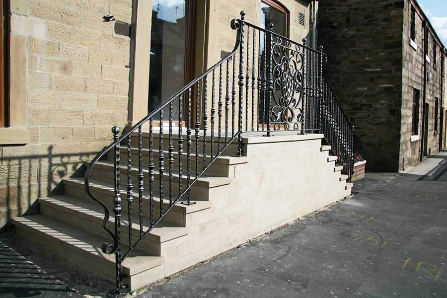 Exterior elegant contemporary outdoor safety iron staircase for outdoor steps for sale–IOK-174