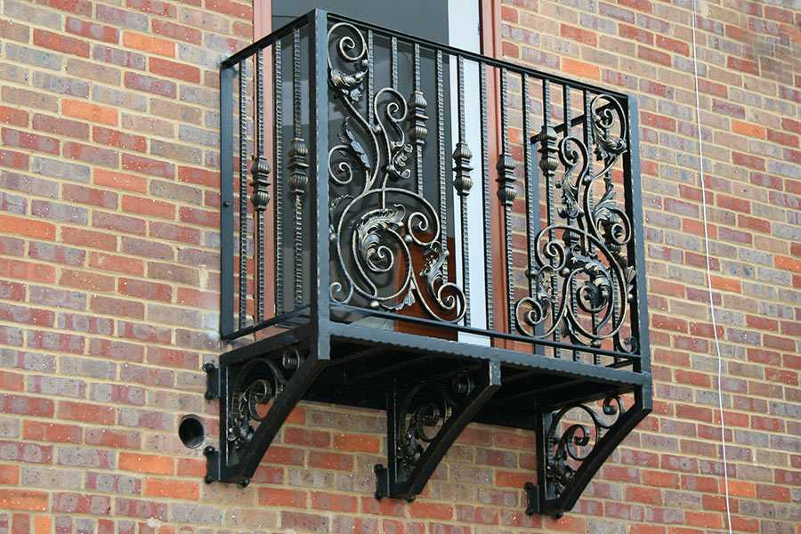 Faux high quality modern outdoor wrought iron fence for window balcony decor for sale–IOK-151