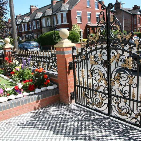 High quality gold ornate wrought iron entrance gate designs for sale--IOK-193
