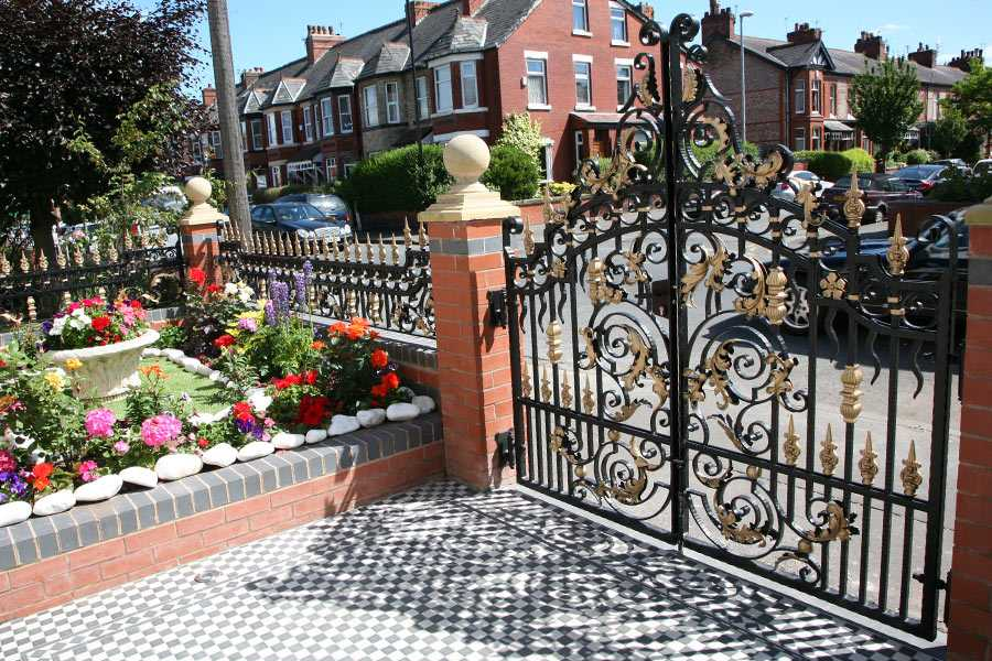 High quality gold ornate wrought iron entrance gate designs for sale–IOK-193