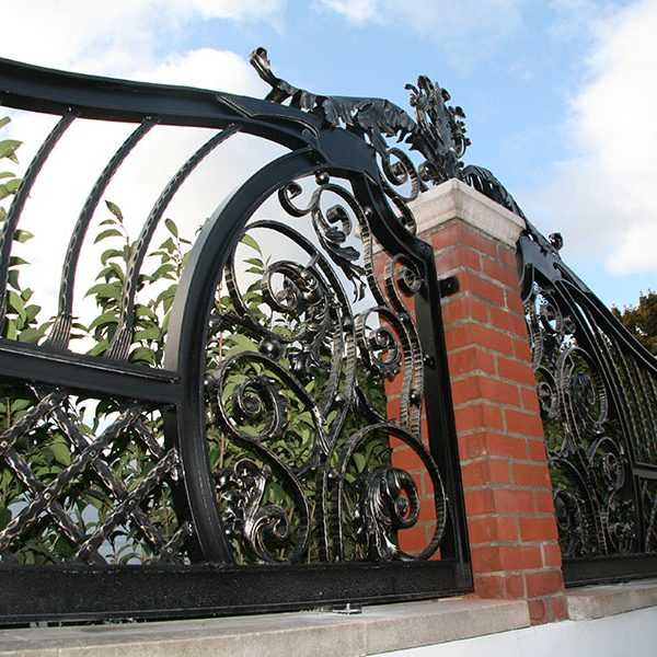 Luxury metal art modern aphrodite wrought iron railing design for sale--IOK-212