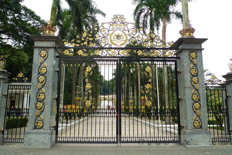 Modern estate entrance wrought iron double driveway gate designs for garden cost for sale–IOK-183