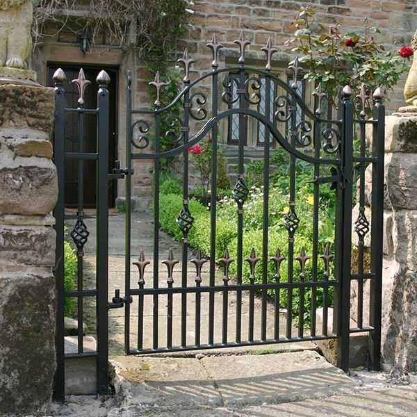 Simple And Inexpensive Metal Single Side Entrance Wrought