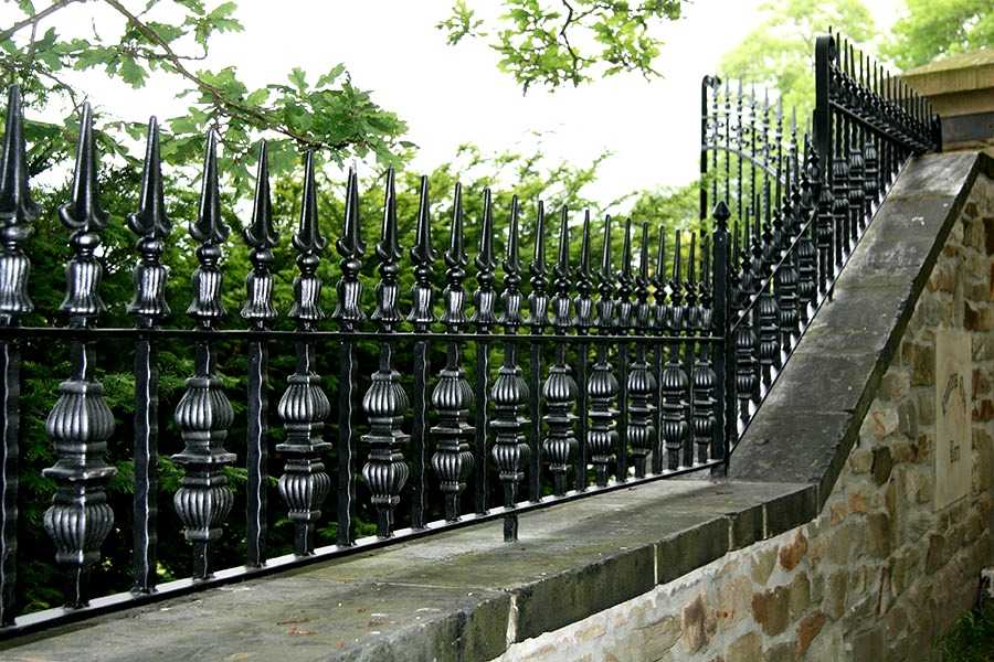 Simple decorative iron fence bespoke cast iron yard railing designs for sale--IOK-243