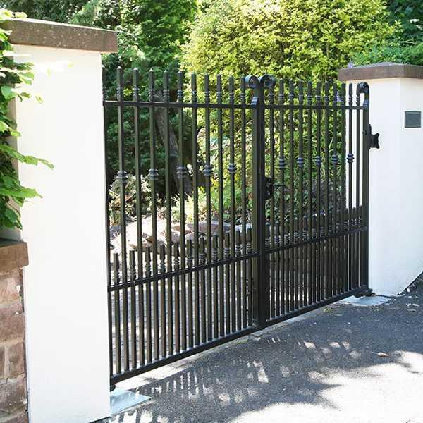 Simple metal garden entrance wrought iron garden gates and fencing designs for sale--IOK-190