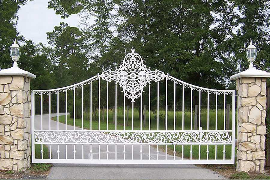 Simple modern estate wrought iron entrance gates for house for sale–IOK-184