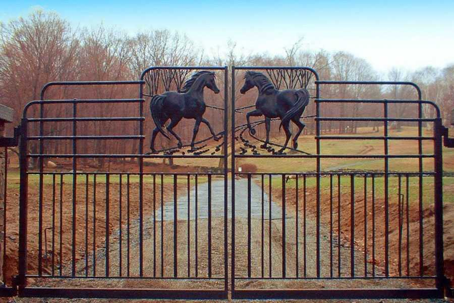 Vintage cattle sliding wrought iron driveway gates with horses designs for sale–IOK-180