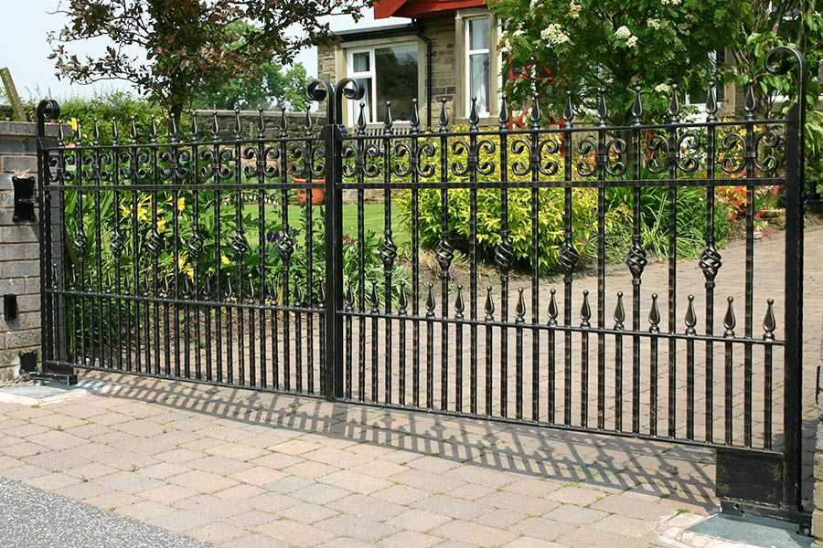 Wholesale Decorative Wrought Iron Fence Panels And Gates