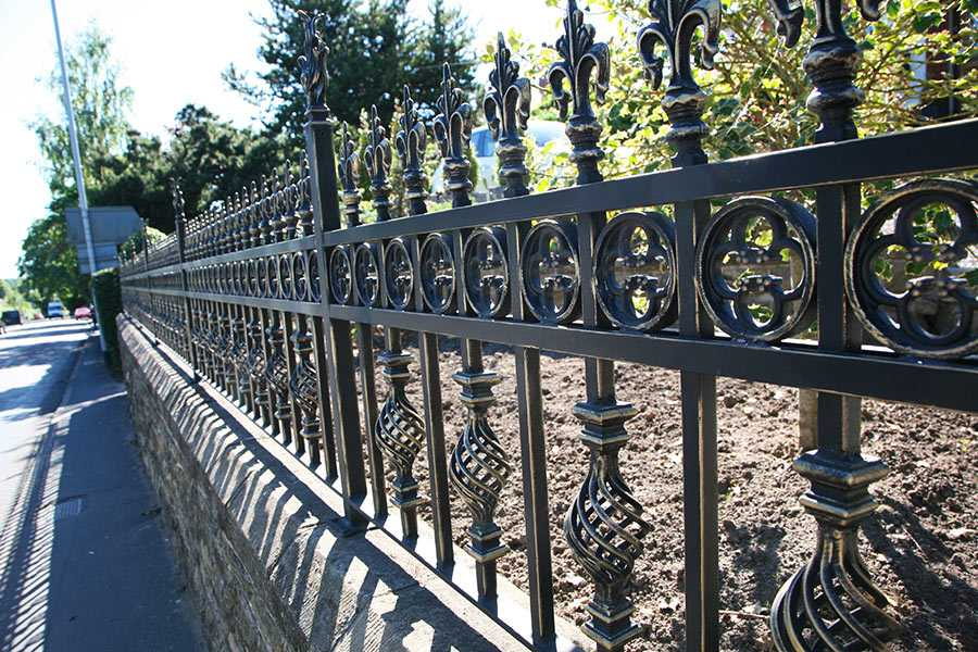 China Manufacturer of Wrought Iron Fence—YOU FINE ART SCULPTURE !