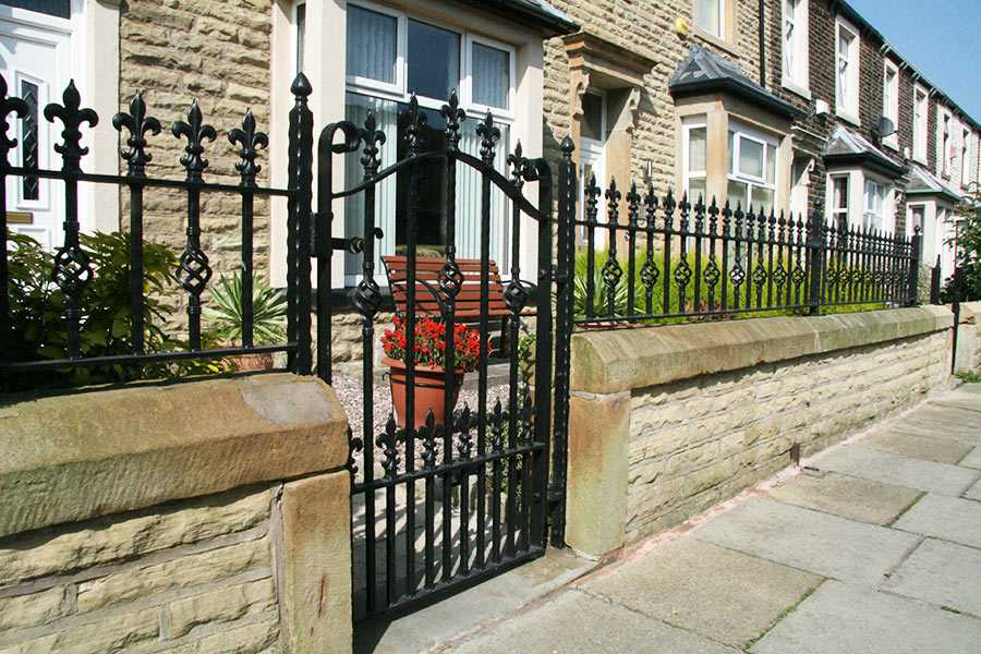 iron gates and fences for sale