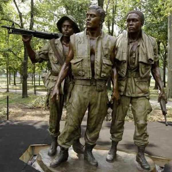 Do you know where this famous monuments of Cruel Vietnam War placed ?