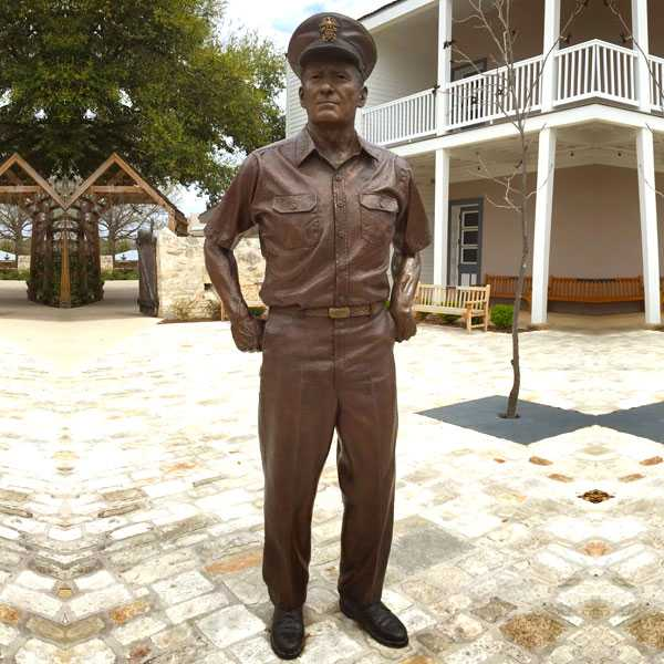 Customized casting bronze famous statue American Navy Admiral Nimitz and his bronze sculpture for sale BOKK-483