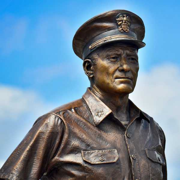 Customized casting bronze famous statue American Navy Admiral Nimitz and his bronze sculpture for commemorate for sale