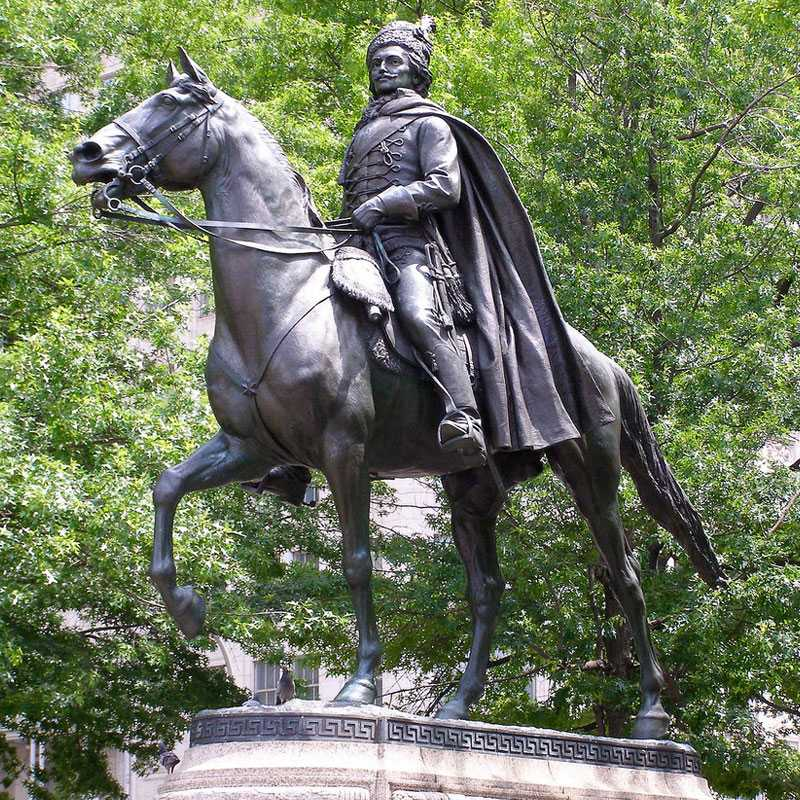 Famous Bronze Soldier Sculptures to Memory the American Revolutionary War
