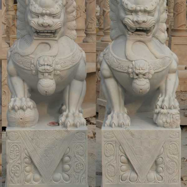 Pair of Chinese Foo or Fu Dog statue