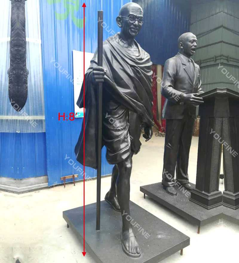 bronze statue of gandhi jayanti status replica for commemorating for sale