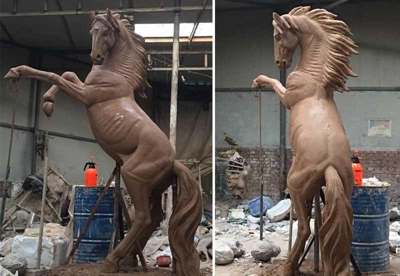 Clay-model-of-horse-statue