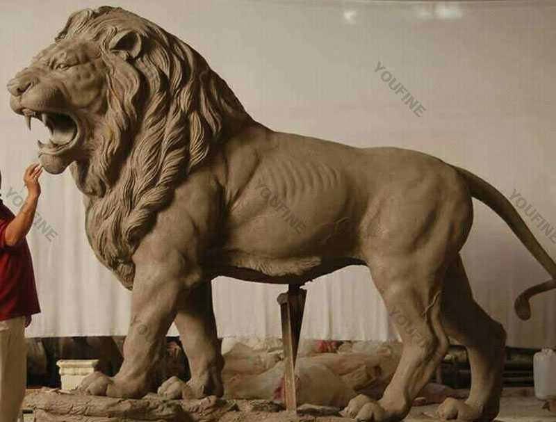 Clay-model-of-lion-statues