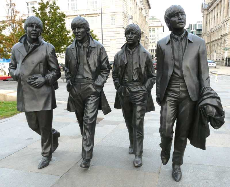 famous singer team Beatles statue in liverpool life size bronze statue replica design for decor for sale