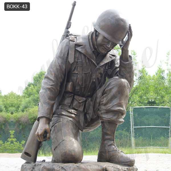 Casting bronze war garden statue life size kneeling soldier statue heavy cast sculpture monument for sale–BOKK-43
