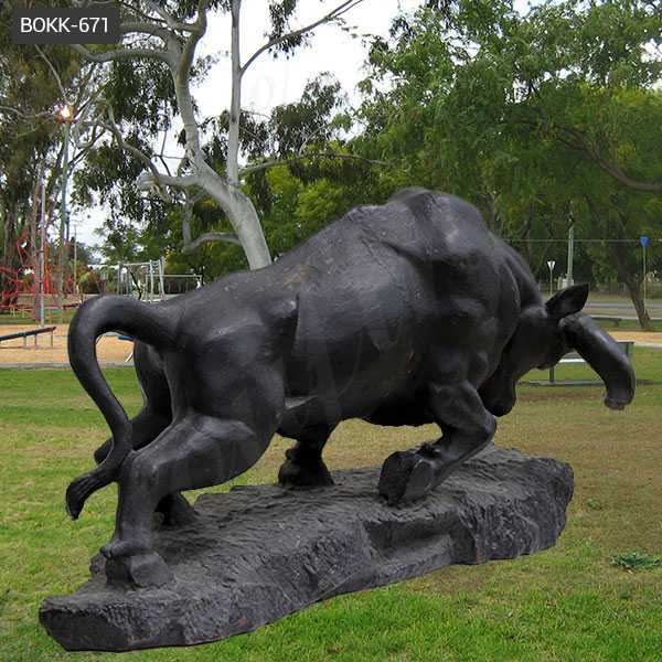 life size bronze bull statue for lawn ornamental charging bull statue for sale