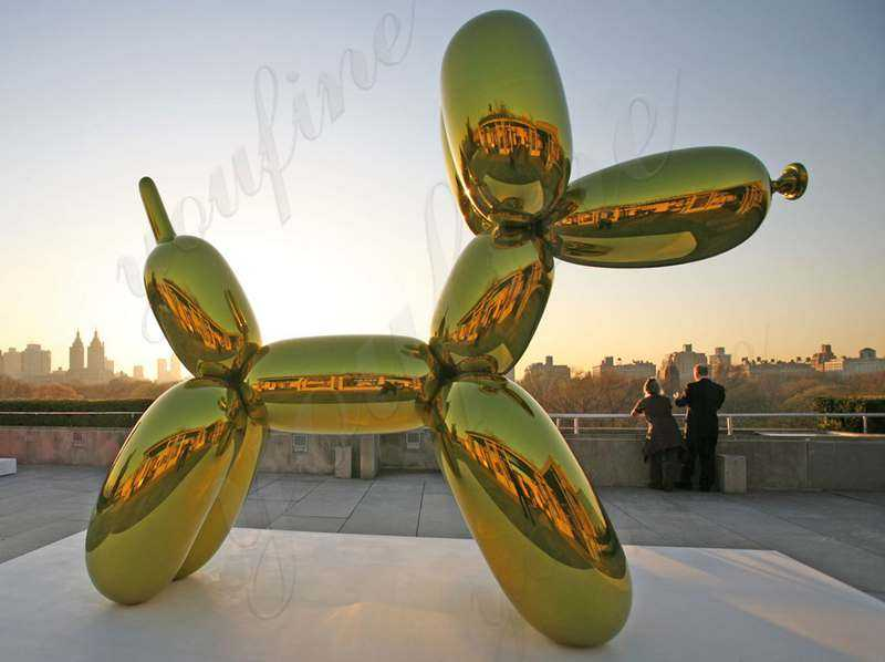 Jeff Koons and His Balloon Dog Sculpture
