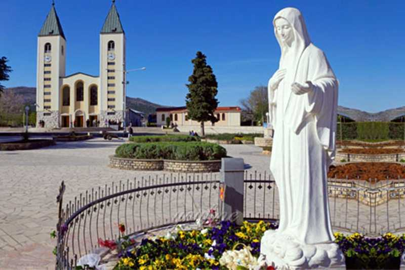 outdoor statues of mary