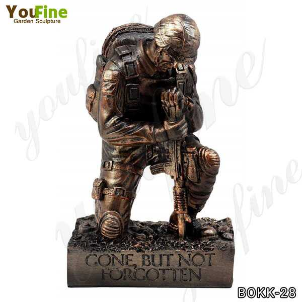 Memorial Bronze Kneeling Solider Statue